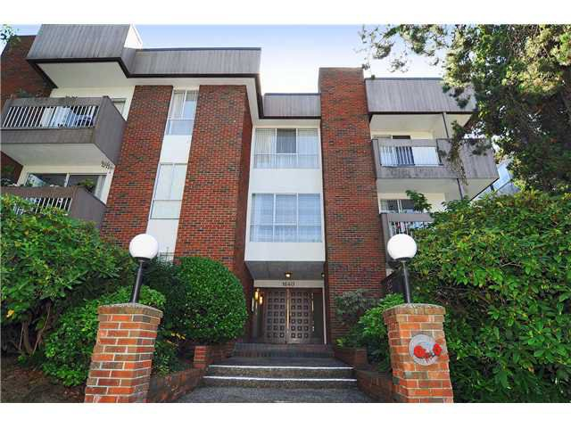 "Main Photo: # 203 1640 W 11TH AV in Vancouver: Fairview VW Condo for sale in ""HERITAGE HOUSE"" (Vancouver West)  : MLS®# V908583"