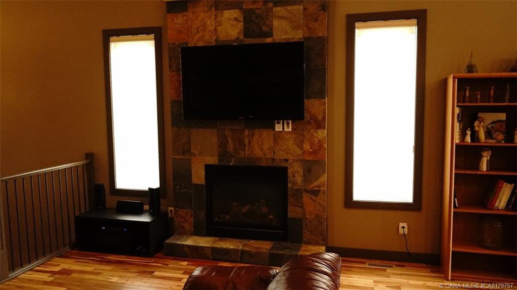 Photo 14: Photos: 712 CYPRESS Lane in Springbrook: RC Springbrook Residential for sale (Red Deer County)  : MLS®# CA0179757