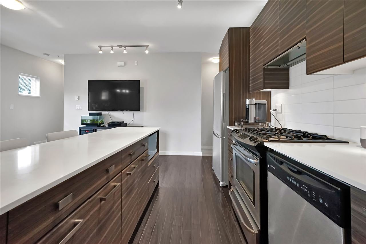 """Main Photo: 42 6965 HASTINGS Street in Burnaby: Sperling-Duthie Townhouse for sale in """"Cassia"""" (Burnaby North)  : MLS®# R2450845"""