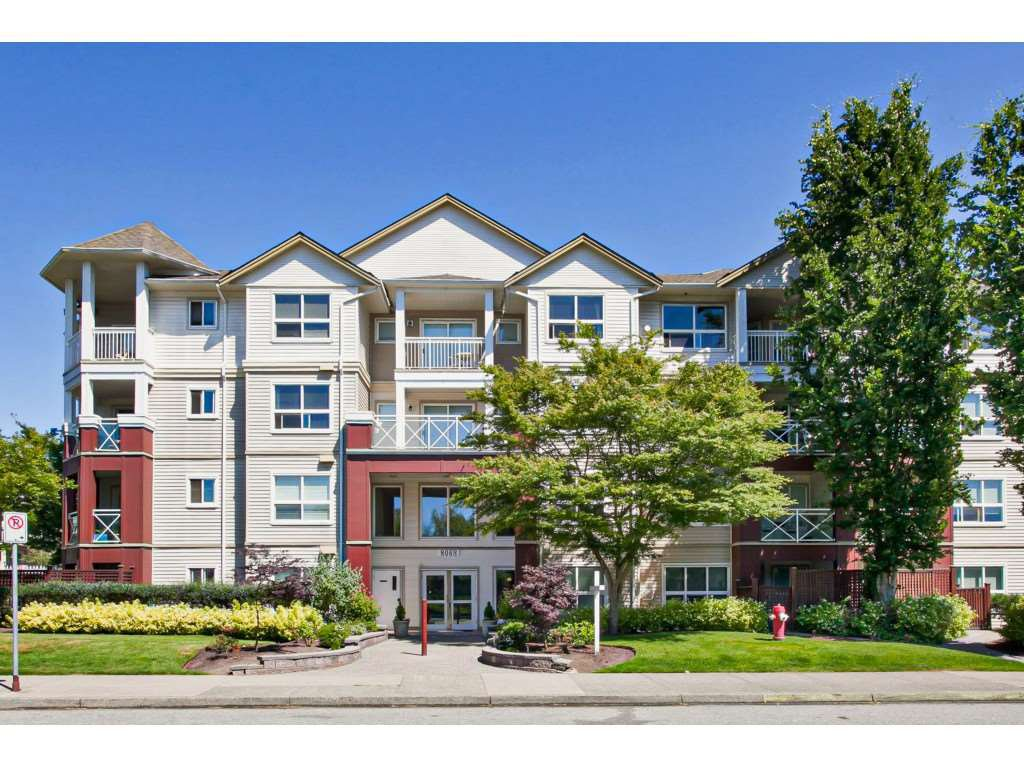 """Main Photo: 122 8068 120A Street in Surrey: Queen Mary Park Surrey Condo for sale in """"Melrose Place"""" : MLS®# R2411416"""