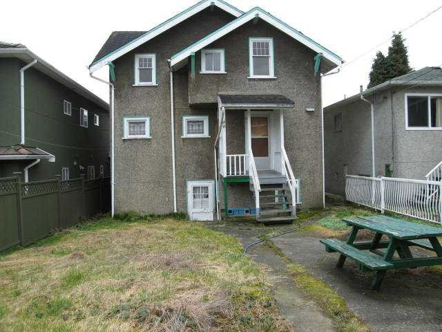 Photo 9: Photos: 2441 E 4TH AV in Vancouver: Renfrew VE House for sale (Vancouver East)  : MLS®# V879162