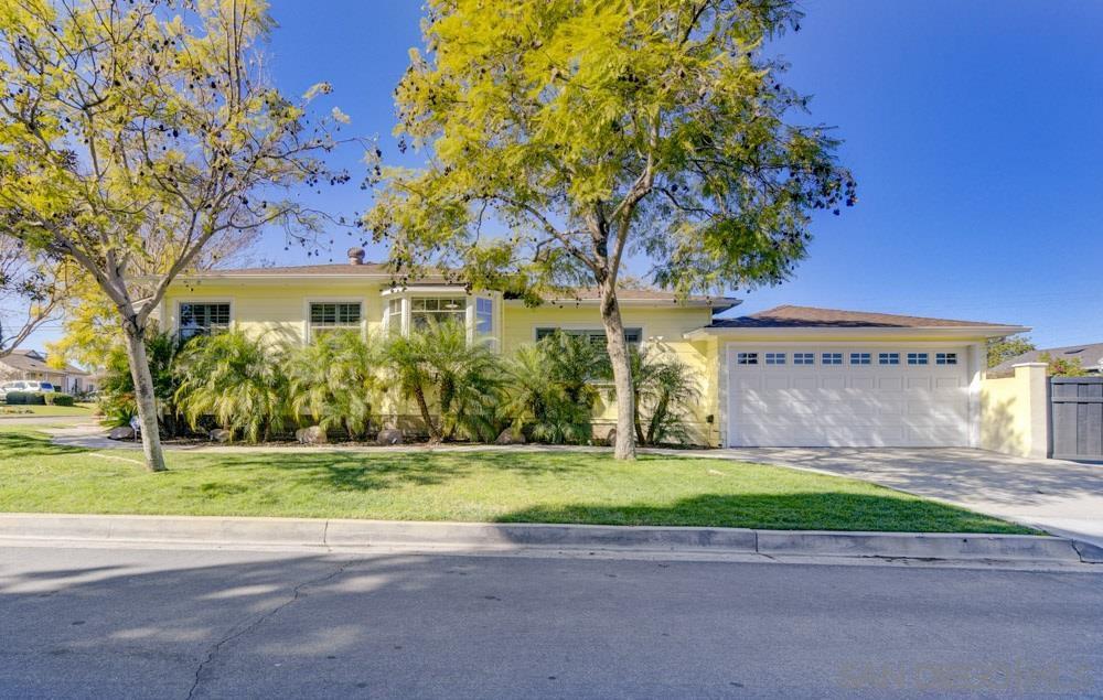 Main Photo: LA MESA House for sale : 2 bedrooms : 6910 Rolando Knolls