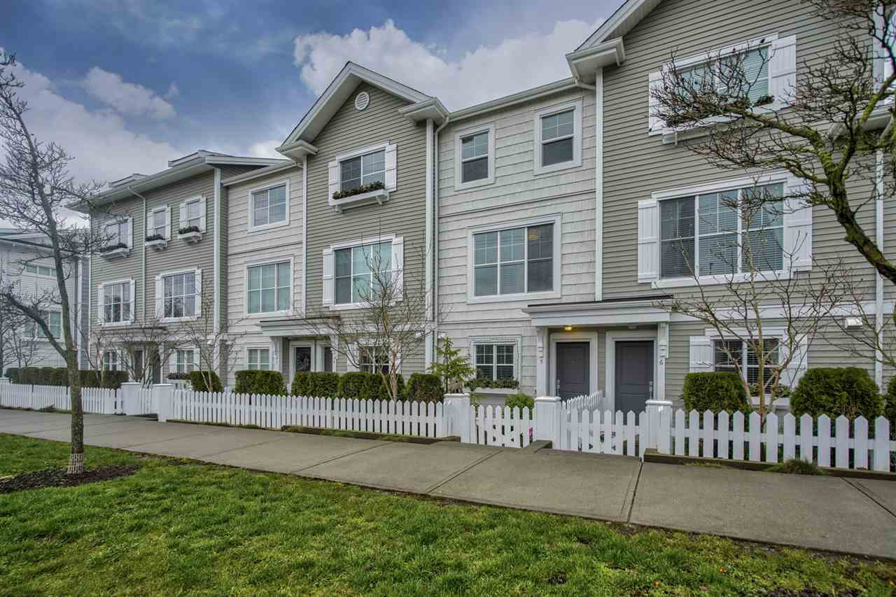 Main Photo: 5 16228 16 Avenue in Surrey: King George Corridor Townhouse for sale (South Surrey White Rock)  : MLS®# R2436600