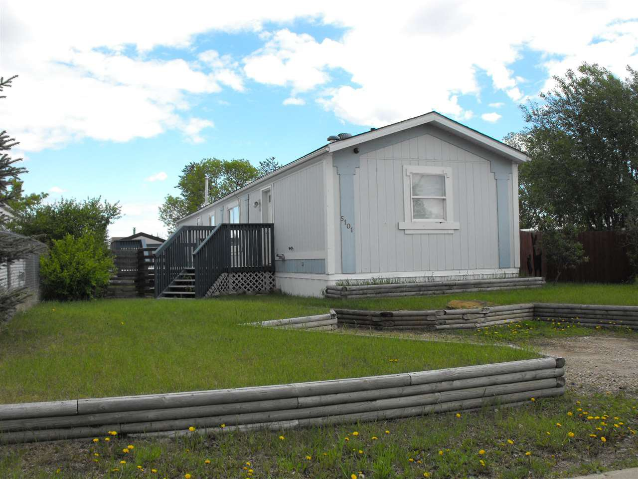 Main Photo: 5101 56 Street: Elk Point Manufactured Home for sale : MLS®# E4201634