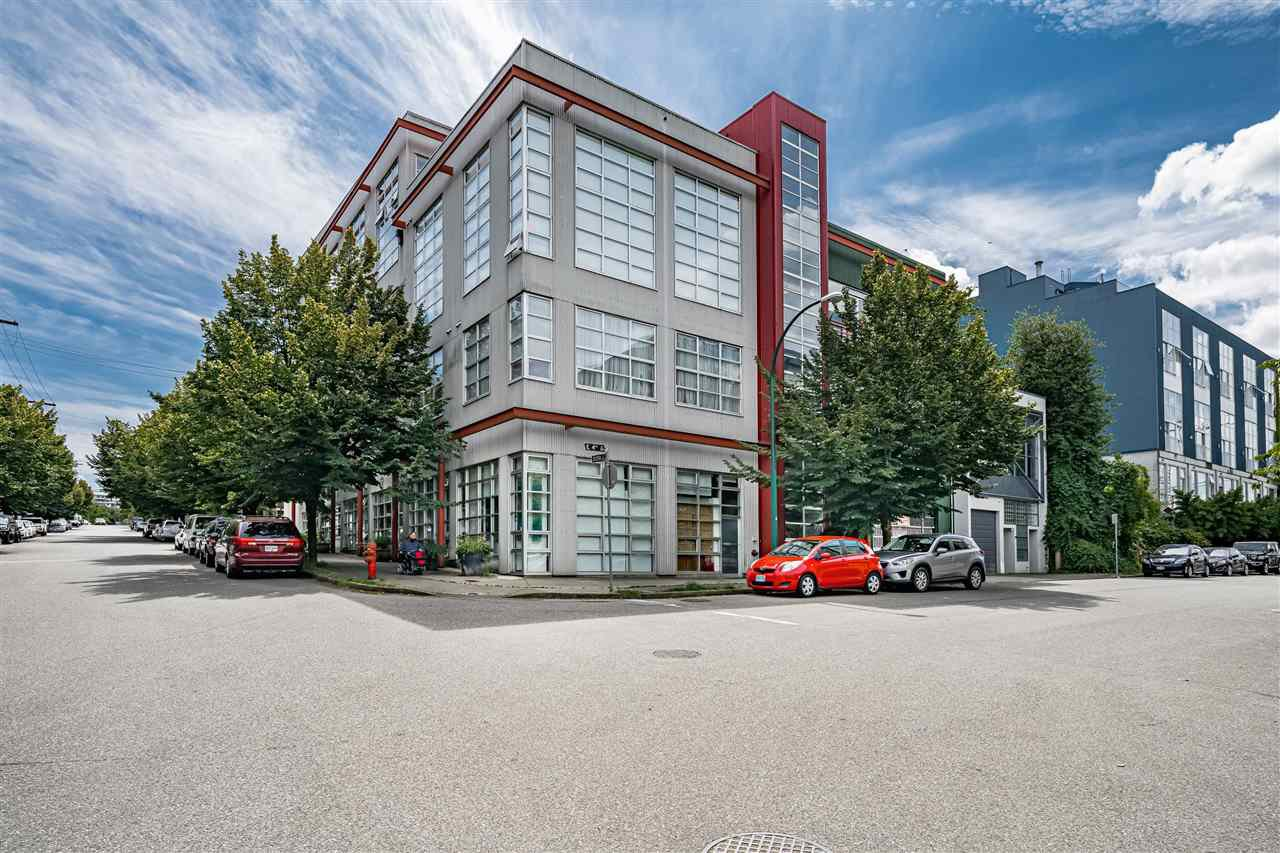 "Main Photo: 206 272 E 4TH Avenue in Vancouver: Mount Pleasant VE Condo for sale in ""THE MECCA"" (Vancouver East)  : MLS®# R2474628"
