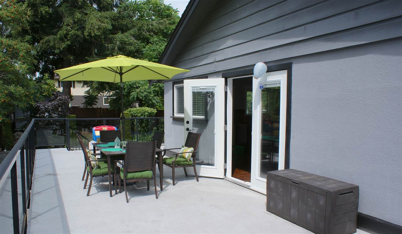 Photo 17: Photos: 555 55A STREET in Delta: Pebble Hill House for sale (Tsawwassen)  : MLS®# R2481635