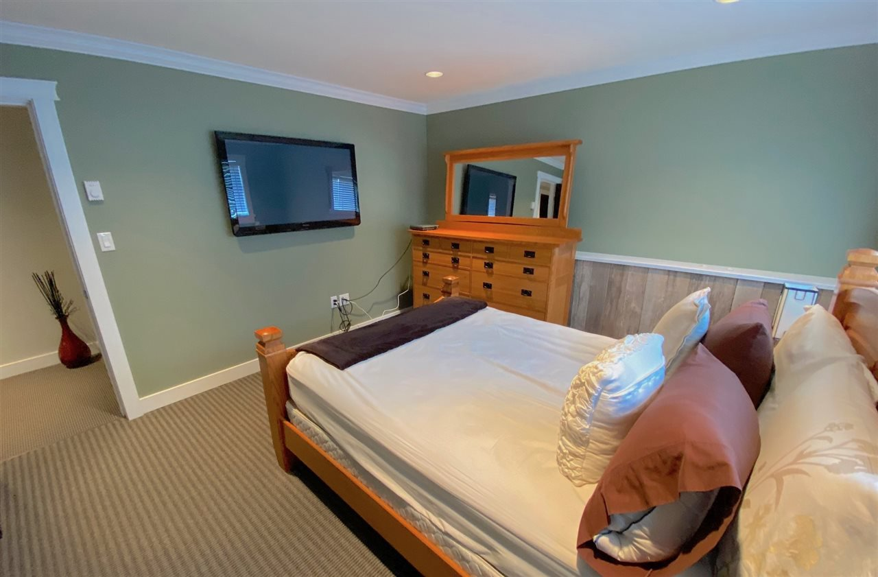 Photo 10: Photos: 555 55A STREET in Delta: Pebble Hill House for sale (Tsawwassen)  : MLS®# R2481635