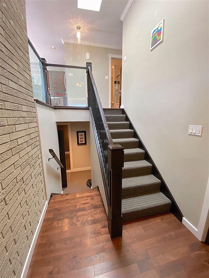 Photo 2: Photos: 555 55A STREET in Delta: Pebble Hill House for sale (Tsawwassen)  : MLS®# R2481635