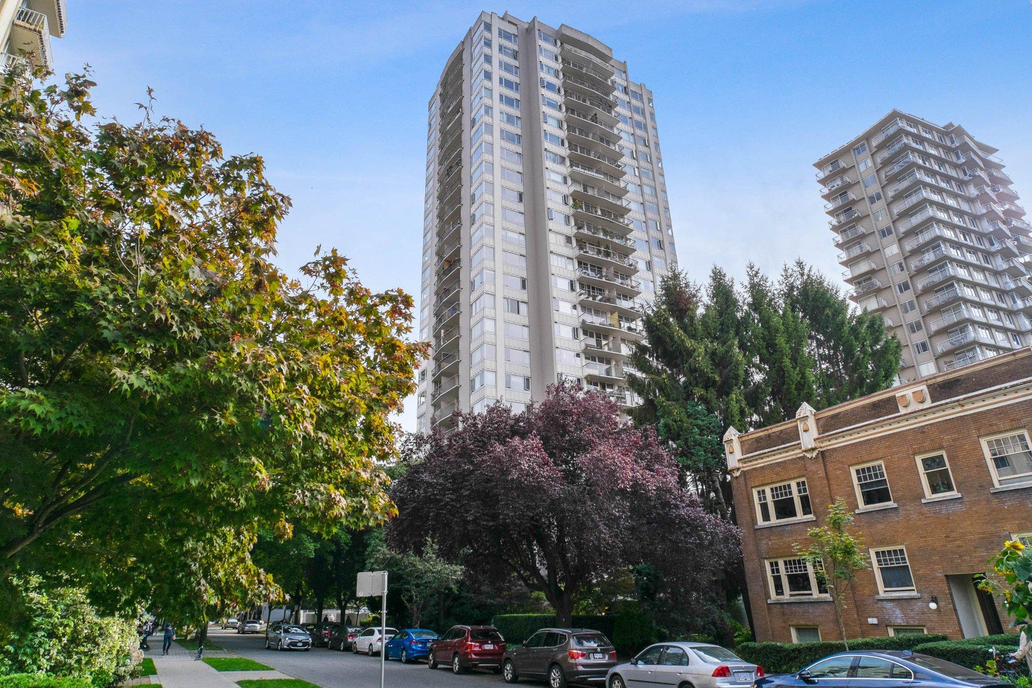 "Main Photo: 1808 1850 COMOX Street in Vancouver: West End VW Condo for sale in ""EL CID"" (Vancouver West)  : MLS®# R2508054"