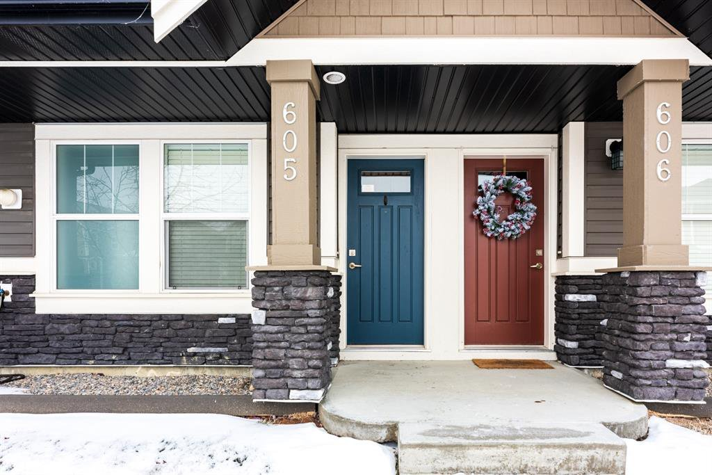 Photo 2: Photos: 605 280 Williamstown Close NW: Airdrie Row/Townhouse for sale : MLS®# A1048279