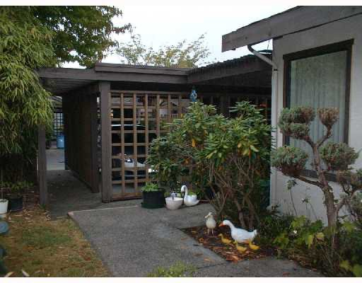 "Main Photo: 1 11291 7TH Avenue in Richmond: Steveston Villlage Townhouse for sale in ""MARINERS VILLAGE"" : MLS®# V669502"