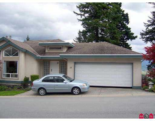 "Main Photo: 20 8590 SUNRISE DR in Chilliwack: Chilliwack Mountain Townhouse for sale in ""MAPLE HILLS"" : MLS®# H2501763"
