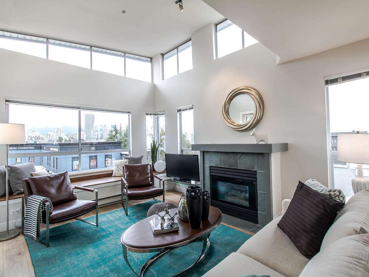 "Main Photo: 16 1388 W 6TH Avenue in Vancouver: Fairview VW Condo for sale in ""NOTTINGHAM"" (Vancouver West)  : MLS®# R2411492"