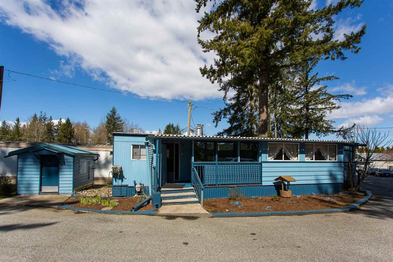 """Main Photo: 11 24330 FRASER Highway in Langley: Aldergrove Langley Manufactured Home for sale in """"Langley Grove Estates"""" : MLS®# R2450337"""
