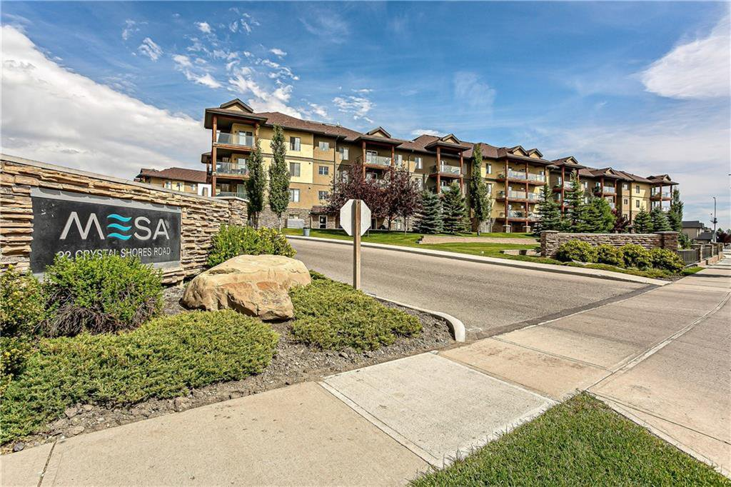Main Photo: 3215 92 CRYSTAL SHORES Road: Okotoks Apartment for sale : MLS®# C4301331
