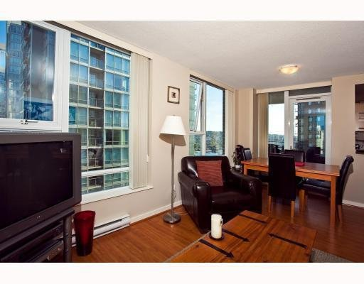 Photo 4: Photos: # 2208 550 PACIFIC ST in Vancouver: Condo for sale : MLS®# V782944