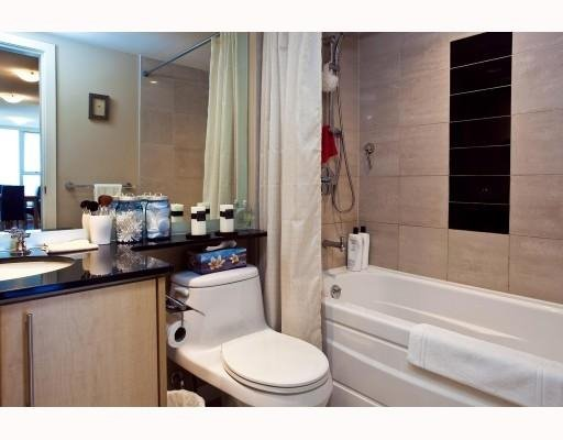 Photo 8: Photos: # 2208 550 PACIFIC ST in Vancouver: Condo for sale : MLS®# V782944