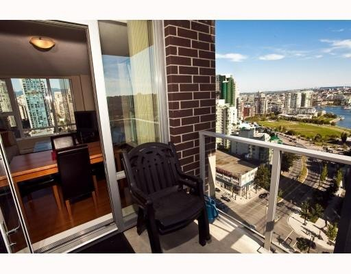 Photo 9: Photos: # 2208 550 PACIFIC ST in Vancouver: Condo for sale : MLS®# V782944