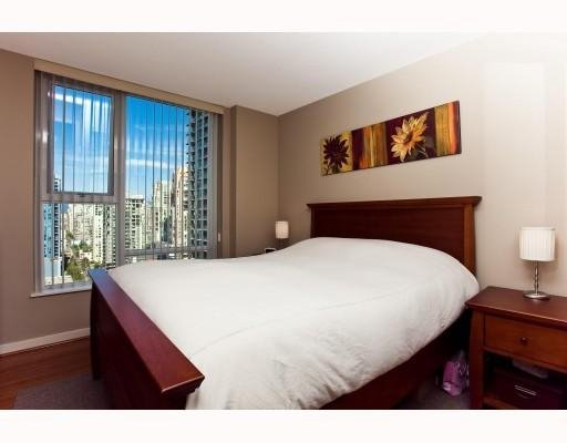 Photo 7: Photos: # 2208 550 PACIFIC ST in Vancouver: Condo for sale : MLS®# V782944
