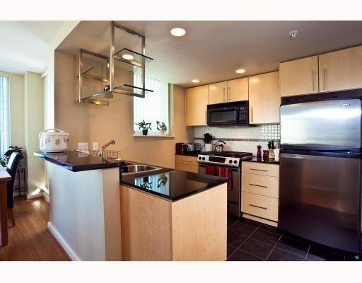 Photo 5: Photos: # 2208 550 PACIFIC ST in Vancouver: Condo for sale : MLS®# V782944