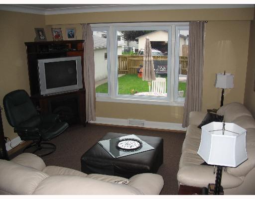 Photo 4: Photos: 687 WATERLOO Street in WINNIPEG: River Heights / Tuxedo / Linden Woods Single Family Detached for sale (South Winnipeg)  : MLS®# 2710072