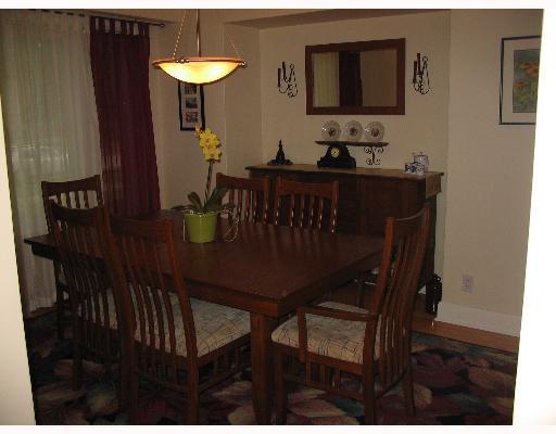 Photo 3: Photos: 687 WATERLOO Street in WINNIPEG: River Heights / Tuxedo / Linden Woods Single Family Detached for sale (South Winnipeg)  : MLS®# 2710072