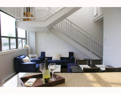 """Main Photo: 629 615 BELMONT Street in New_Westminster: Uptown NW Condo for sale in """"Belmont Tower"""" (New Westminster)  : MLS®# V652927"""
