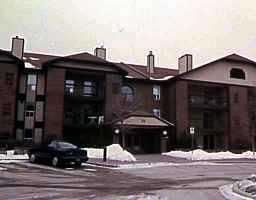 Main Photo: 305 75 SWINDON Way in WINNIPEG: River Heights / Tuxedo / Linden Woods Condominium for sale (South Winnipeg)  : MLS®# 9804347