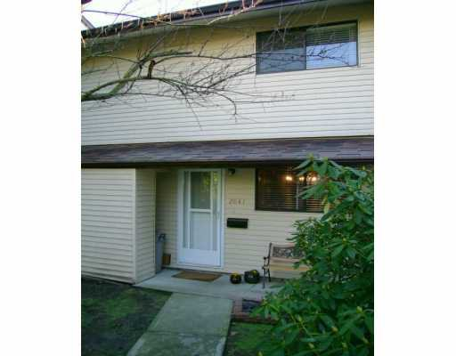 """Main Photo: 2041 HOLDOM Ave in Burnaby: Parkcrest Townhouse for sale in """"BRENTWOOD GARDENS"""" (Burnaby North)  : MLS®# V628932"""