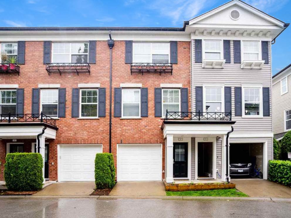 """Main Photo: 50 11067 BARNSTON VIEW Road in Pitt Meadows: South Meadows Townhouse for sale in """"COHO"""" : MLS®# R2472923"""