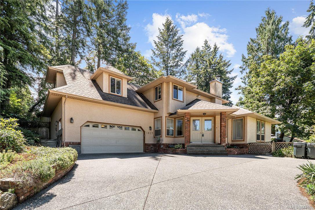 Main Photo: 1017 Pearl Cres in Central Saanich: CS Brentwood Bay Single Family Detached for sale : MLS®# 844857