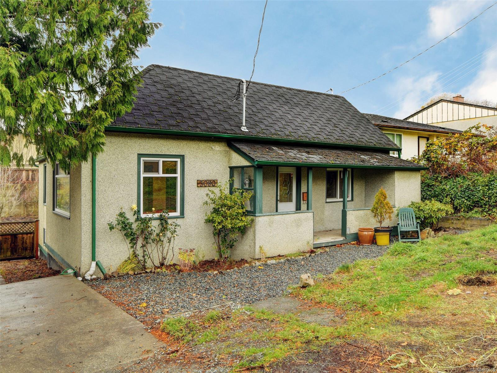 Main Photo: 3060 Albina St in : SW Gorge House for sale (Saanich West)  : MLS®# 860650