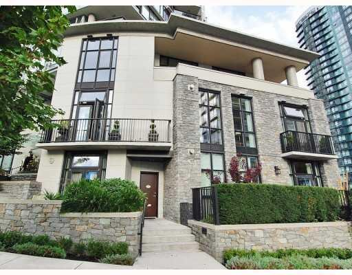 Main Photo: 451 BEACH CR in Vancouver: Condo for sale : MLS®# V790414