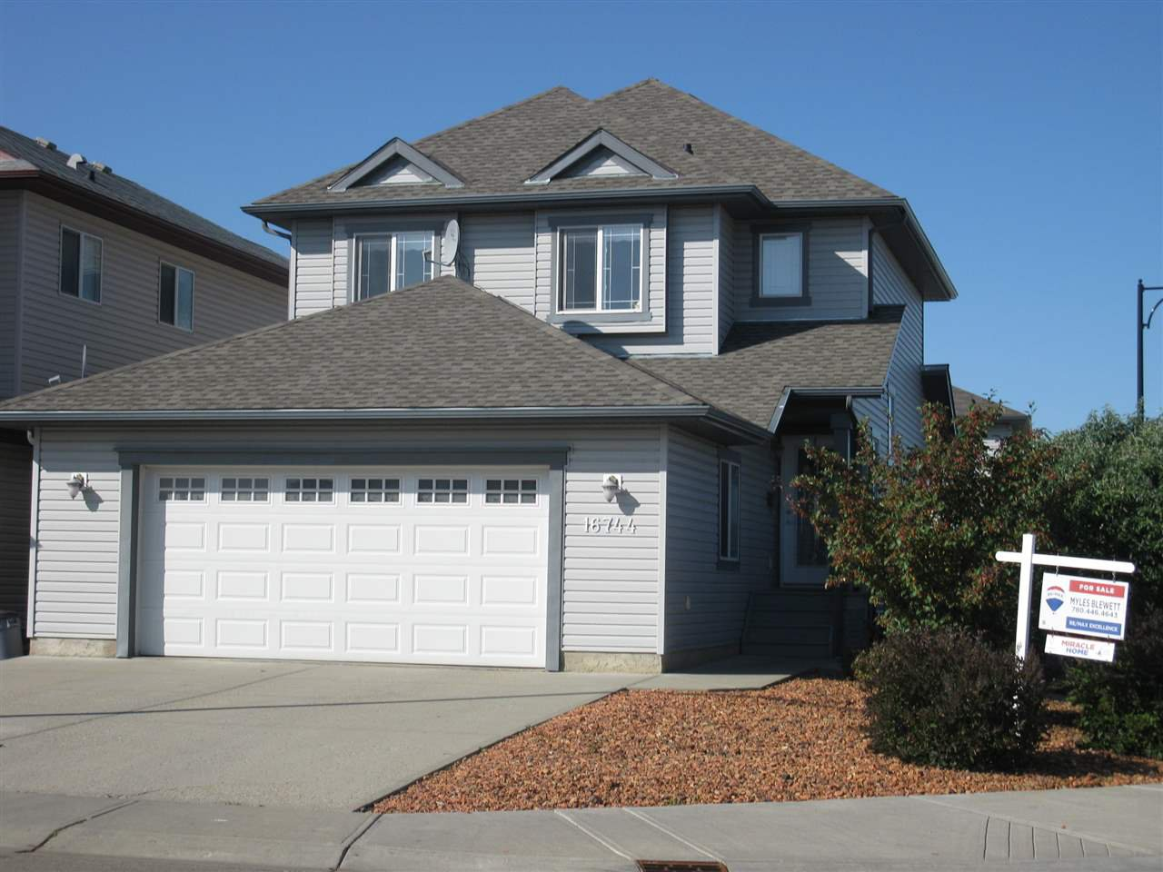 Main Photo: 16744 119 Street in Edmonton: Zone 27 House for sale : MLS®# E4166387