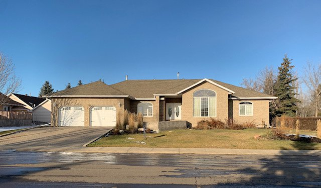 Main Photo: 4804 44th Street: Hardisty House for sale (MD of Flagstaff)  : MLS®# A1008055