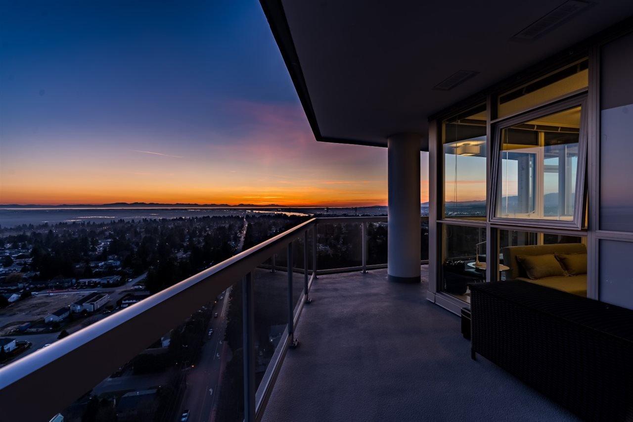 """Main Photo: 2910 11967 80 Avenue in Delta: Scottsdale Condo for sale in """"DELTA RISE"""" (N. Delta)  : MLS®# R2446546"""