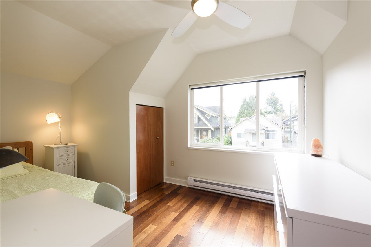 Photo 12: Photos: 125 E 22ND AVENUE in Vancouver: Main House for sale (Vancouver East)  : MLS®# R2436701