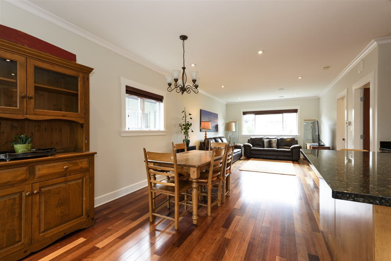Photo 5: Photos: 125 E 22ND AVENUE in Vancouver: Main House for sale (Vancouver East)  : MLS®# R2436701