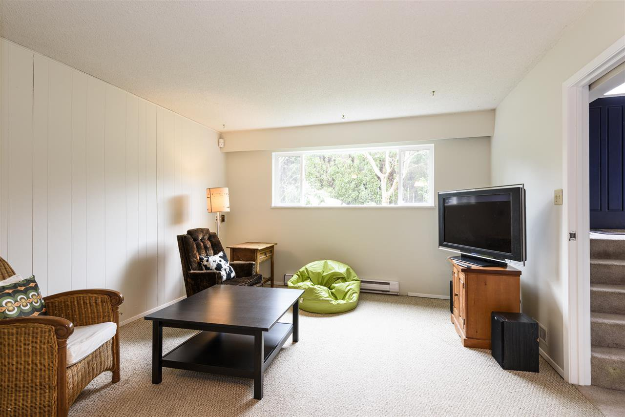 Photo 15: Photos: 125 E 22ND AVENUE in Vancouver: Main House for sale (Vancouver East)  : MLS®# R2436701