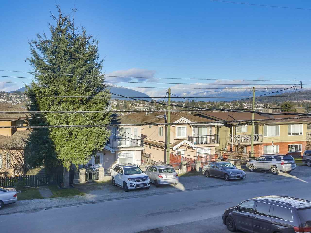 Main Photo: 5408 NORFOLK Street in Burnaby: Central BN House 1/2 Duplex for sale (Burnaby North)  : MLS®# R2454091