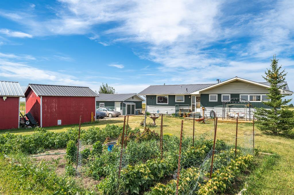 Main Photo: 288150 466 Avenue E: Rural Foothills County Detached for sale : MLS®# A1019465