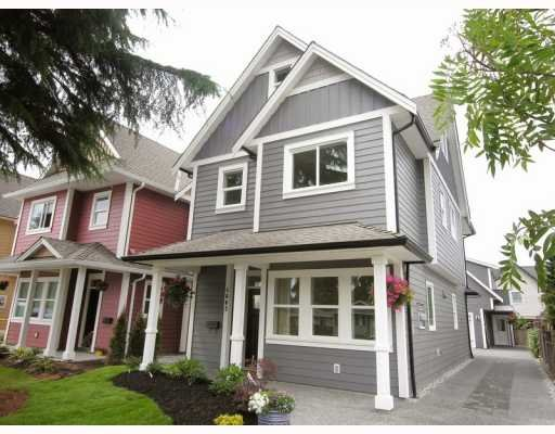 Main Photo: 4663 53RD ST in Ladner: Delta Manor House