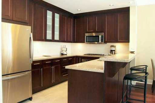 """Photo 2: Photos: 102 4759 VALLEY DR in Vancouver: Quilchena Condo for sale in """"MARGUERITE II"""" (Vancouver West)  : MLS®# V584713"""