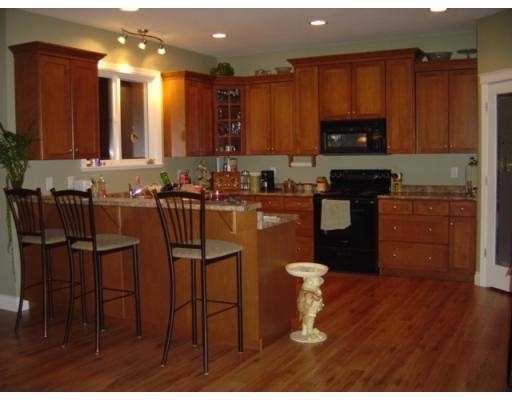 "Photo 8: Photos: 13256 239B Street in Maple_Ridge: Silver Valley House for sale in ""ROCK RIDGE"" (Maple Ridge)  : MLS®# V671495"