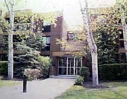 Main Photo: 101 476 KENASTON Boulevard in WINNIPEG: River Heights / Tuxedo / Linden Woods Condominium for sale (South Winnipeg)  : MLS®# 9610848