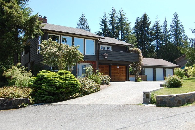 Welcome to 320 Deer Road, Lake Cowichan