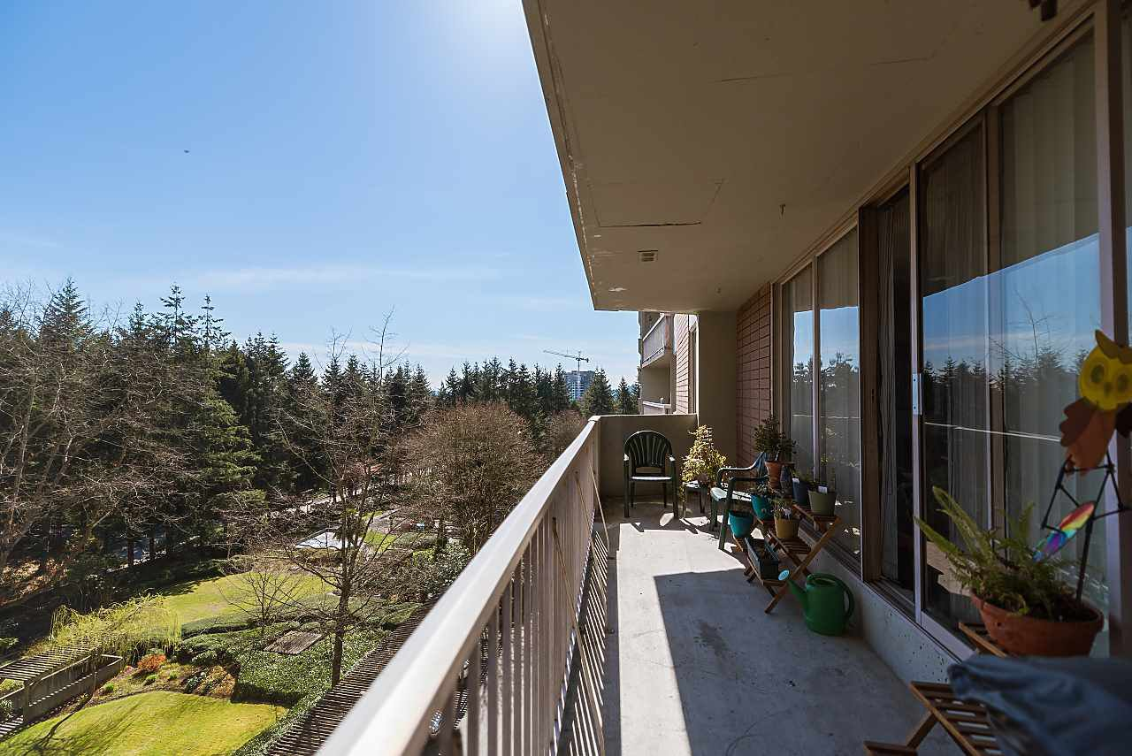 "Main Photo: 803 2020 FULLERTON Avenue in North Vancouver: Pemberton NV Condo for sale in ""Woodcraft/ Hollyburn Building"" : MLS®# R2403591"