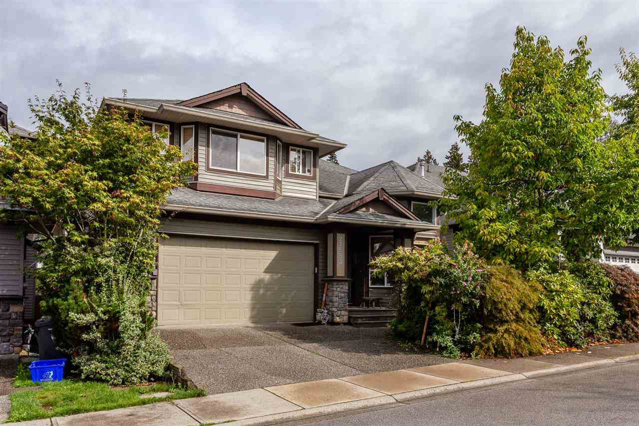 """Main Photo: 21683 90A Avenue in Langley: Walnut Grove House for sale in """"Madison Park"""" : MLS®# R2405115"""