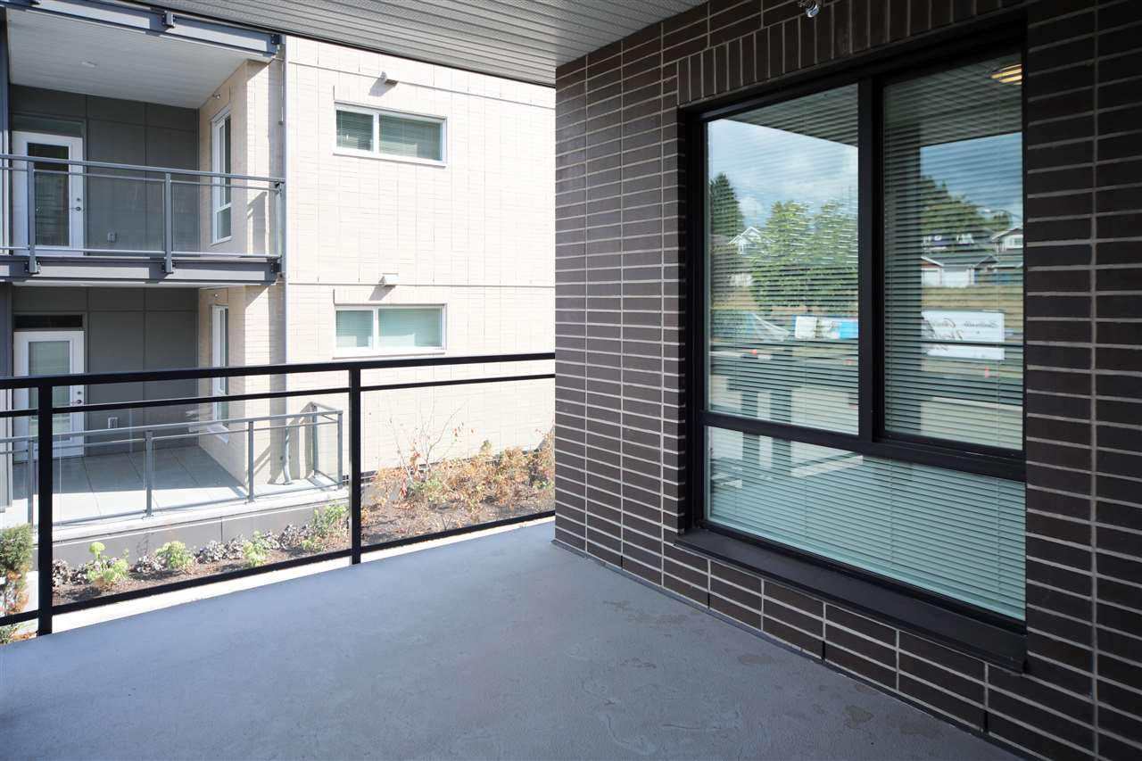 """Photo 2: Photos: 212 615 E 3RD Street in North Vancouver: Lower Lonsdale Condo for sale in """"KINDRED MOODYVILLE"""" : MLS®# R2421547"""