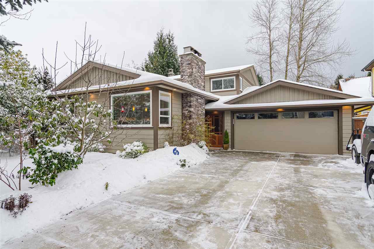 Main Photo: 15318 21 Avenue in Surrey: King George Corridor House for sale (South Surrey White Rock)  : MLS®# R2428864